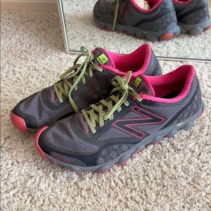 New Balance Vibram Rev lite sneakers.